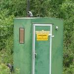 Peräkärrynä kulkeva käänteentekevä wc